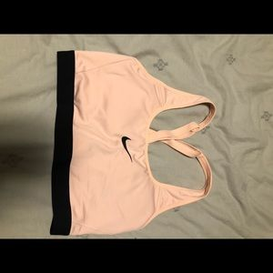 Nike classic padded adjustable sports bra